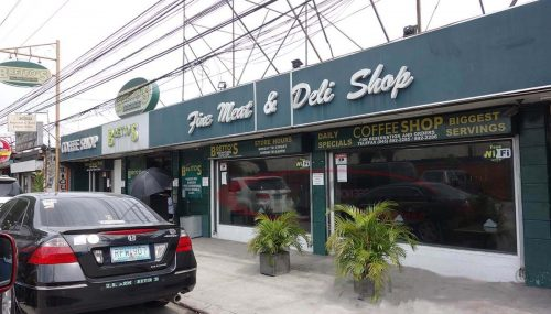 Brettos-Restaurant-Coffee-Shop-Perimeter-Road-Don-Juico-Avenue-Angeles-City